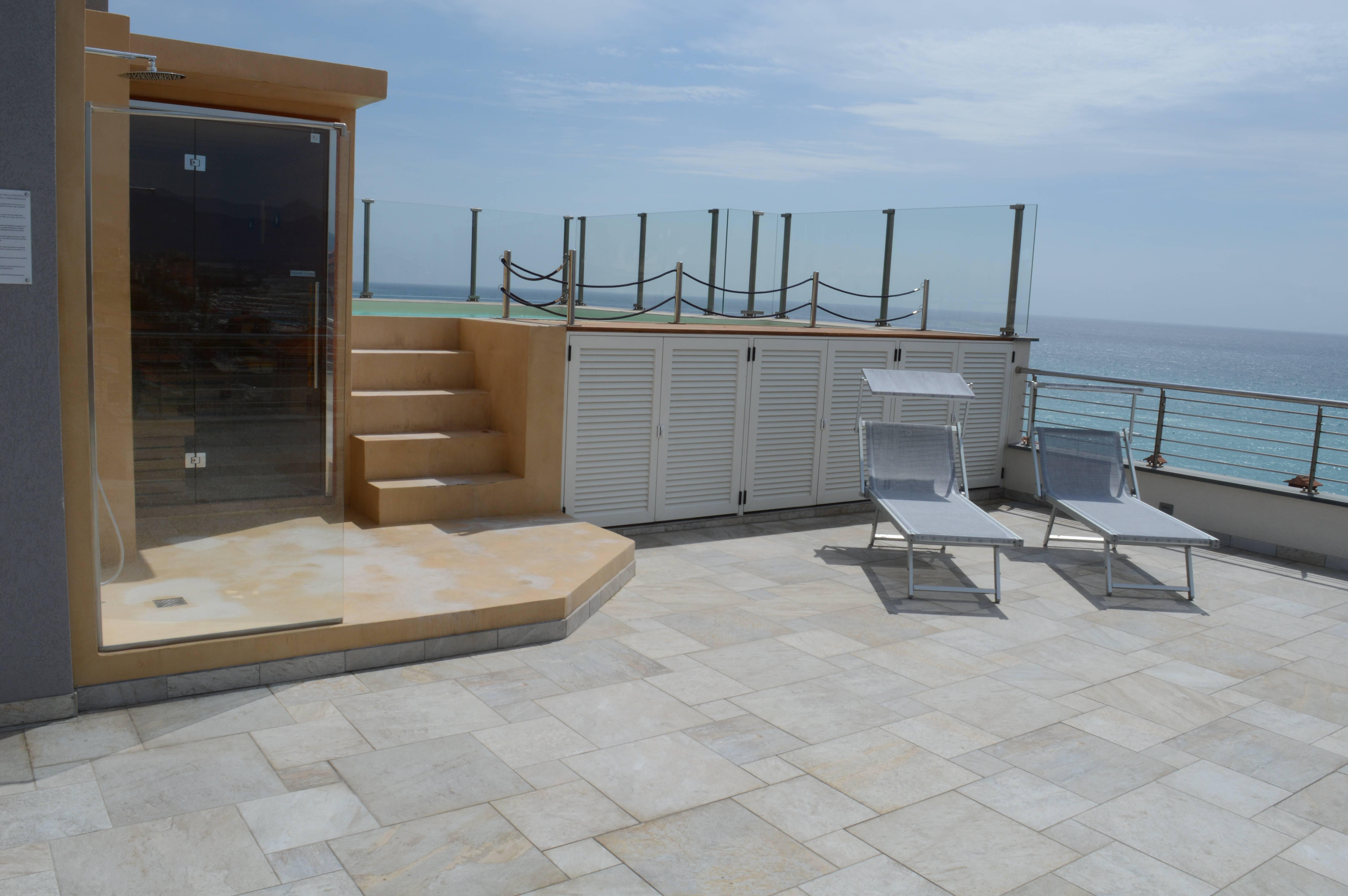 Dsc 0201 agenzia immobiliare la pietra a pietra ligure appartamenti casa vacanze - Pietra ligure agenzie immobiliari ...