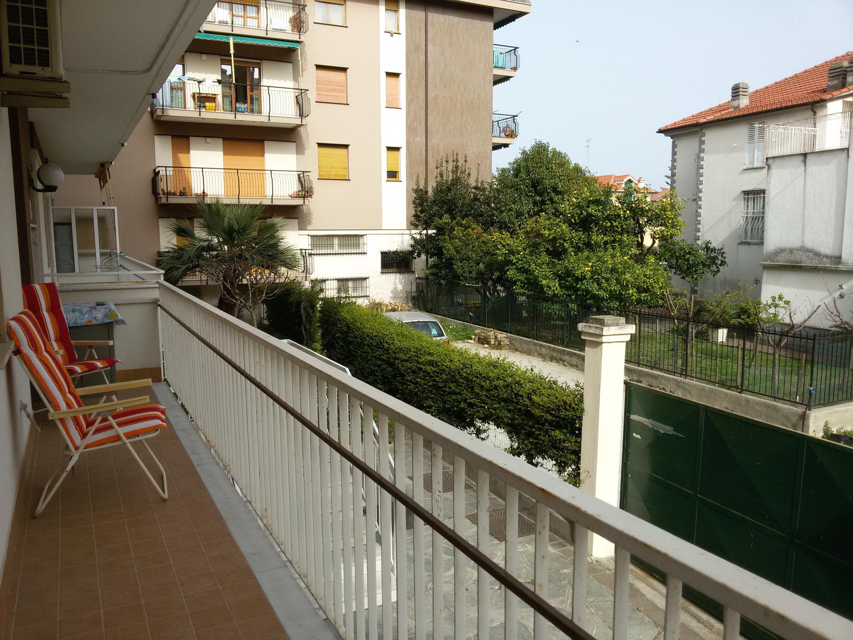 Bilocale vicino al mare in affitto turistico agenzia for Appartamenti in affitto a barcellona vicino al mare